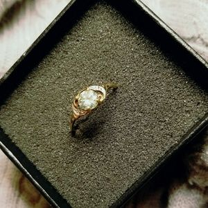 Jewelry - .75 ct Moissanite 10k yellow gold ring (Sz 7.5)